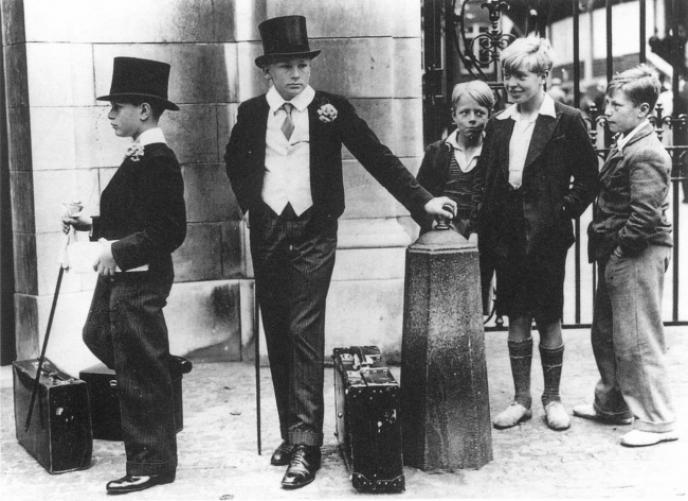Ангийн ялгаа, Их Британи. 1937 он.