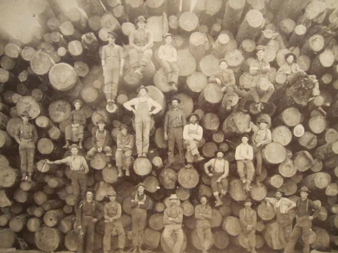 Мод огтлогчид. 1900-аад он.