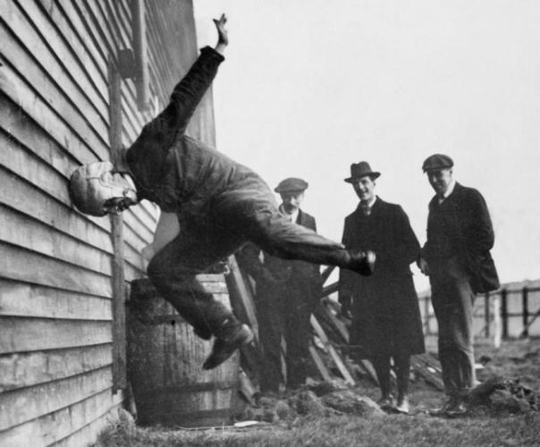 Регбид зориулсан төмөр малгайны туршилт. 1912 он.